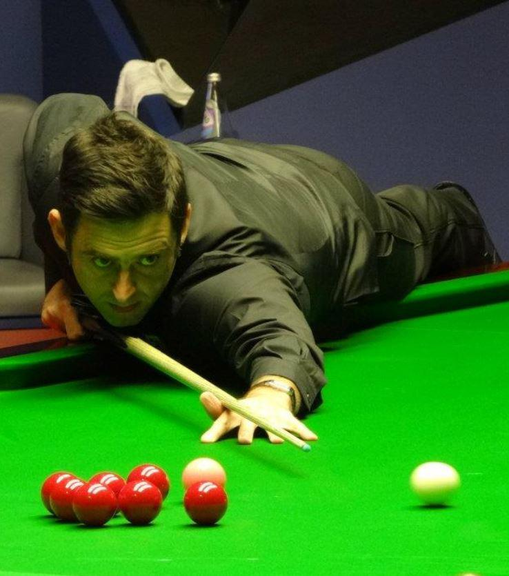Play like Ronnie O'Sullivan with these top 4 snooker tips