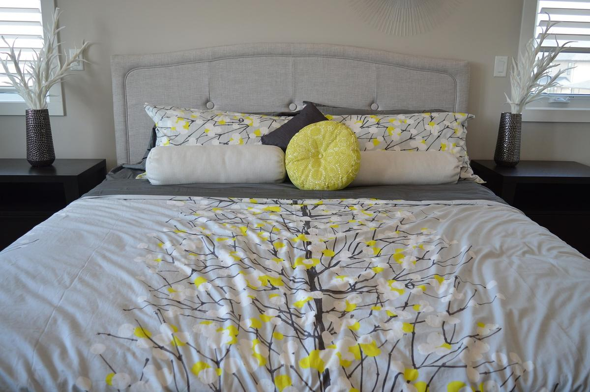 A magic splash of lemon yellow in your home