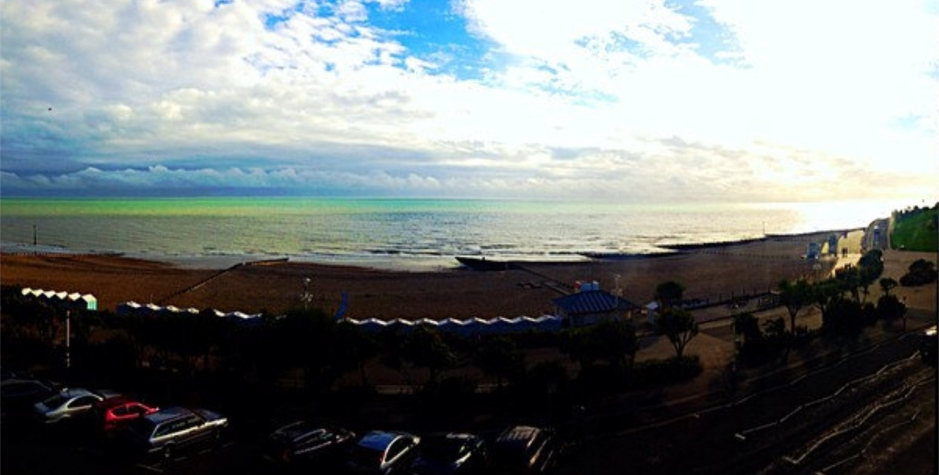 Panoramic Eastbourne Seafront photo by Lenka Kopecka